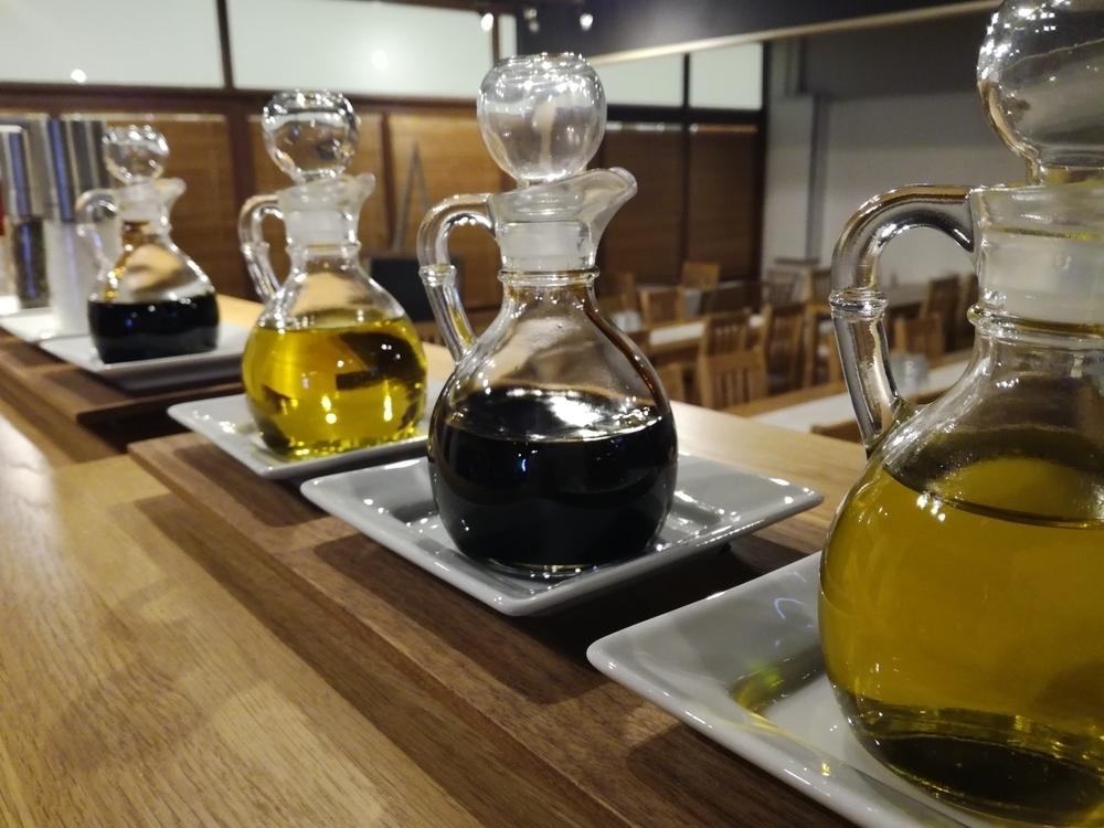 Viikuna-balsamicoa & oliiviöljyä